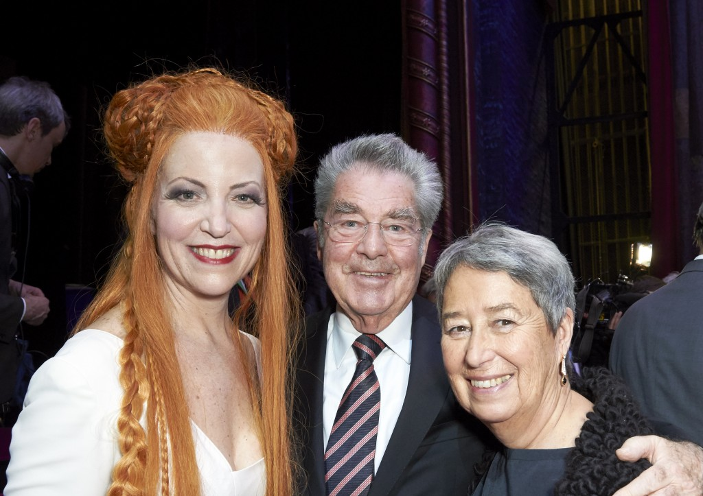 After Turandot at Wiener Staatsoper with Heinz Fischer and his wife, Margit Binder (photo: Michael Poehn)
